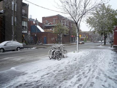 Rue de Brébeuf avril enneigé