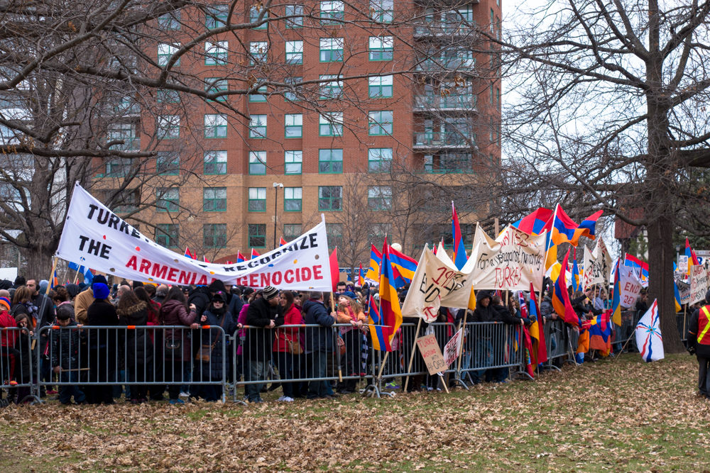 100-ans-genocide-armenien-ottawa-ambassade-turque